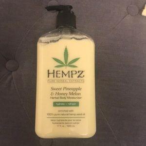 Hempz Sweet Pineapple &Honey Melon Moisturizer